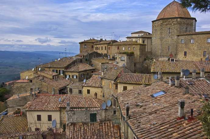 In Tuscany, Volterra is one of the best day trips from Florence.