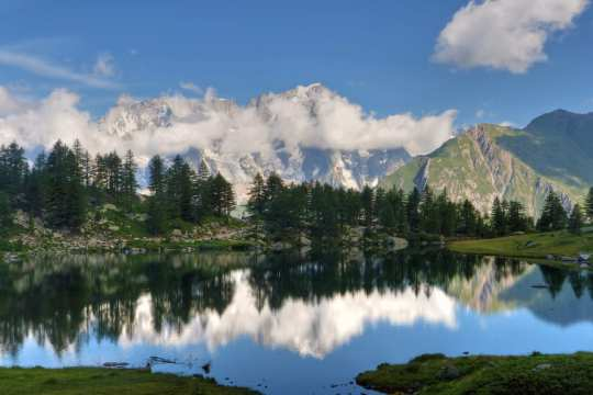 One of the most beautiful small lakes in Italy