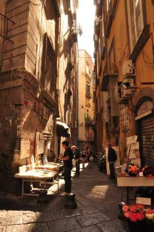 the narrow, vendor-lined street of Naples, or Napoli, make it one of the most beautiful cities in Italy