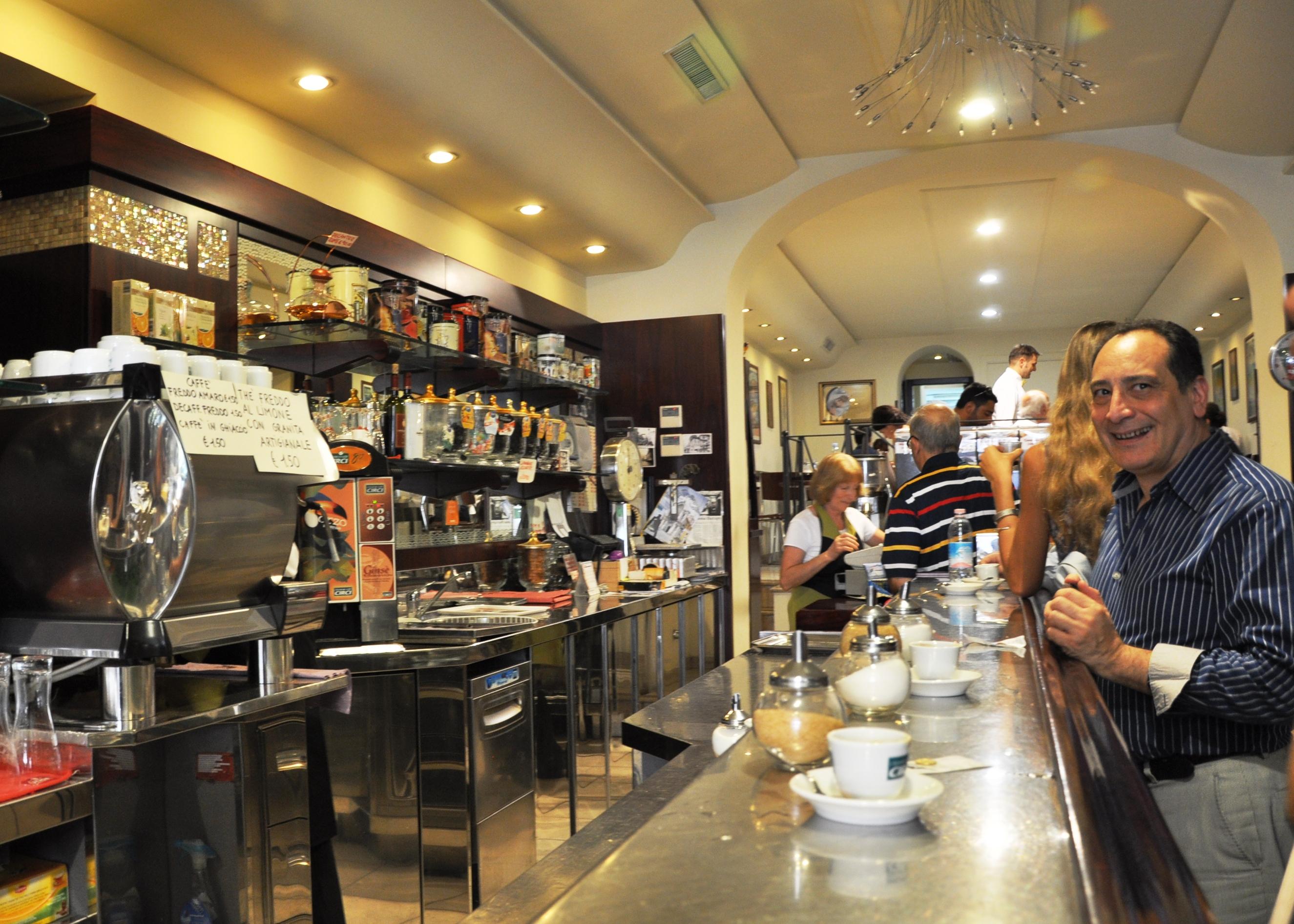 English In Italian: How To Drink Coffee... Like An Italian