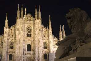 Milan's Duomo stands lording over the PIazza del Duomo. Learn 6 amazing facts about it.