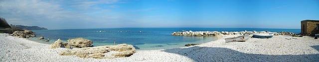 Beach in Ortona (flickr: Vito Manzari)