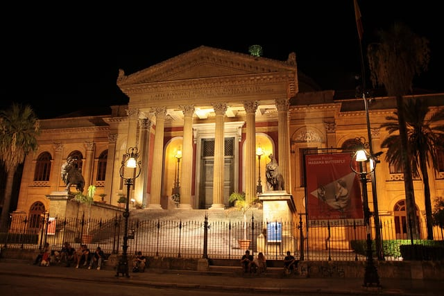 Teatro Massimo (Flickr @queulat00)