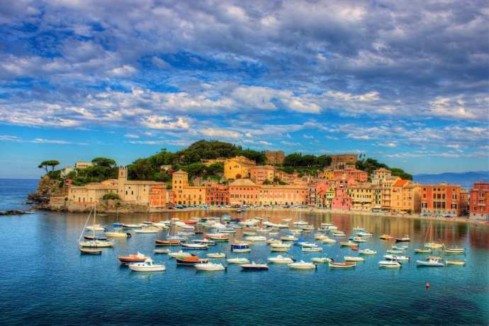 The Baia del Silenzio in Sestri Levante | Photo via Flickr by Jiuguang Wang. https://www.flickr.com/photos/jiuguangw/5135520546/in/photolist-8PNTkG-s1BMaa-98bmWT-fqLfik-fdUH8E-fdEqZH-5QNz2S-fdEkai-sgQupc-si2hEH-fdUDLu-fdEmWa-5BUpHQ-6H4fQR-fdUC7f-5QZnSu-fqLfZF-888oqc-f7qvrF-fdUCD1-fqLfsD-fdErPP-n9oWC-5QNHrj-fdEqQr-Hj37tB-fdUCom-fdUJR7-fdUDso-5QNLj7-f7qvrH-fr1zvC-fdUCUq-fr1AiG-fr1zCh-fdUDy1-dqyeg4-fqLiRP-fr1zym-6H4fNF-s3xAiX-fdEmzv-fqK28x-qRyZKR-5QVeAa-hE753B-fqLj6v-f7qvqc-6H8hEj-fqLjrT