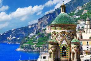 A beautiful shot of the Amalfi Coast. Find out which Amalfi Coast town is the best spot for your next Italian Holiday.