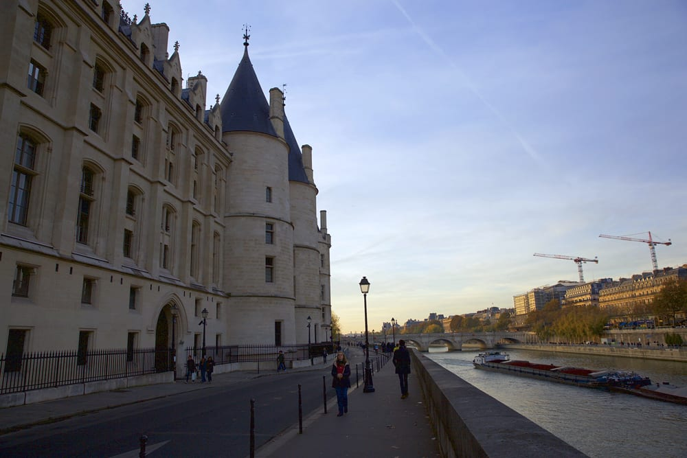 la-conciergerie_ext-seine_sm-copy