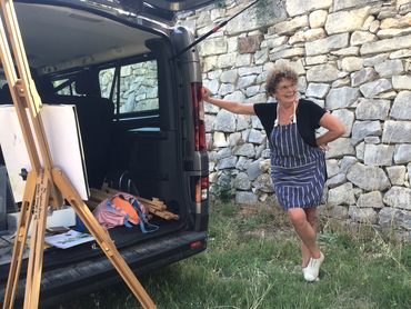 Artist getting ready to paint during our plein air painting workshop in Provence