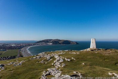 Walk the Wales Coast Path North Wales - Colwyn Bay to Llandudno West