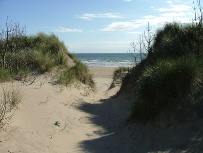 Walk the Wales Coast Path Malltraeth to Newborough Via Ynys Llanddwyn