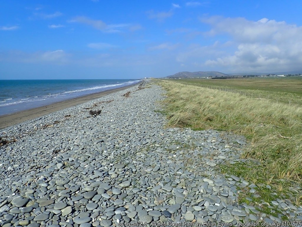 Walk the Wales Coast Path from Llwyngwril to Aberdyfi