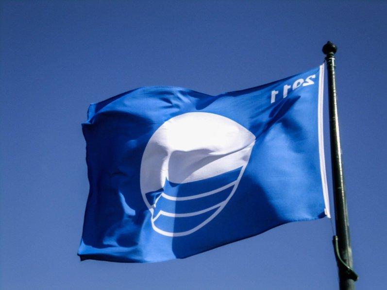 blue flag (1 of 1)
