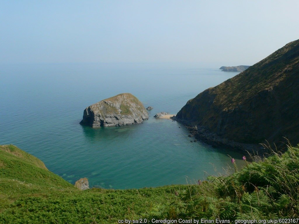 Walk the Wales Coast Path from Cei Newydd / New Quay to Aberporth