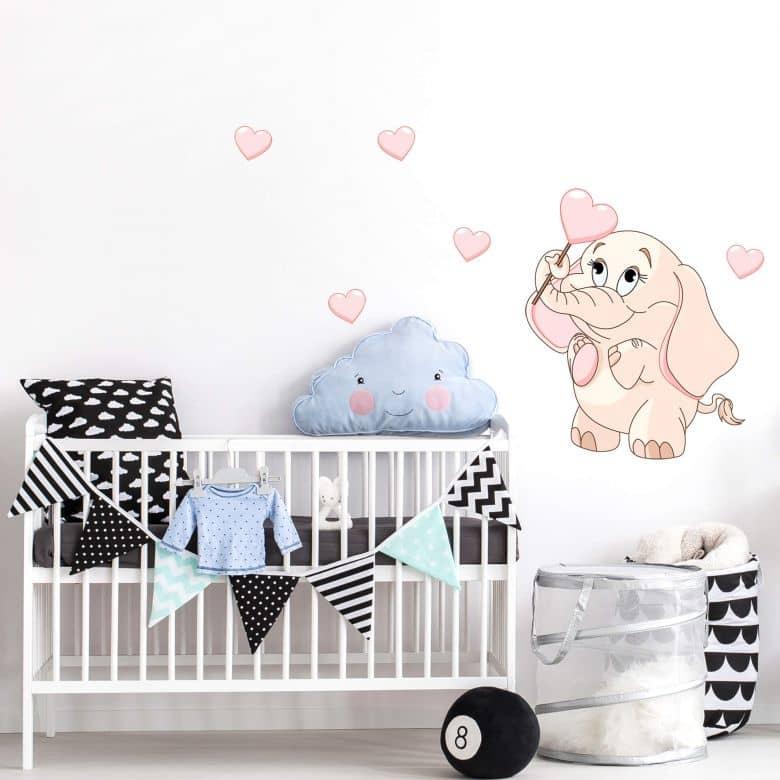 sticker mural bebe elephant avec des cœurs