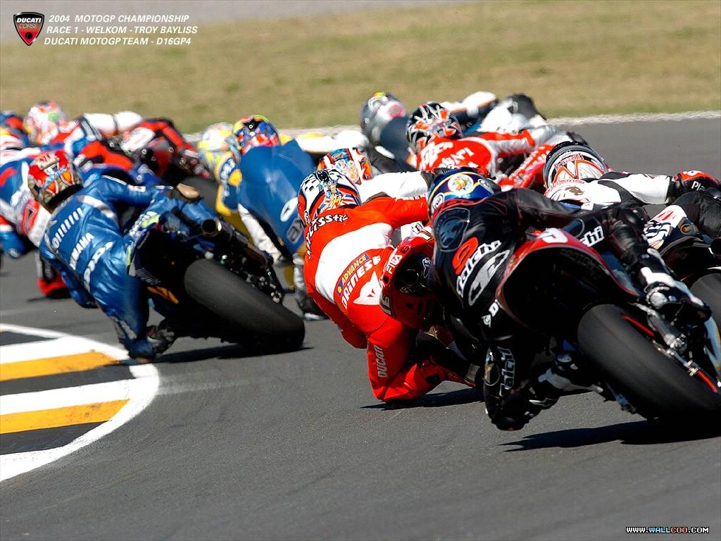 桌布天堂 --- 意大利賽車杜卡迪(Ducati)桌布-2003-2004年錦標賽系列7