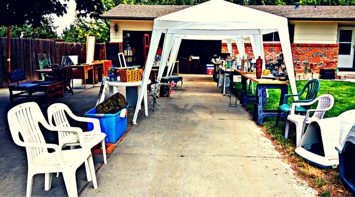 6 awesome hacks for an epic garage sale, photo of a classy garage sale