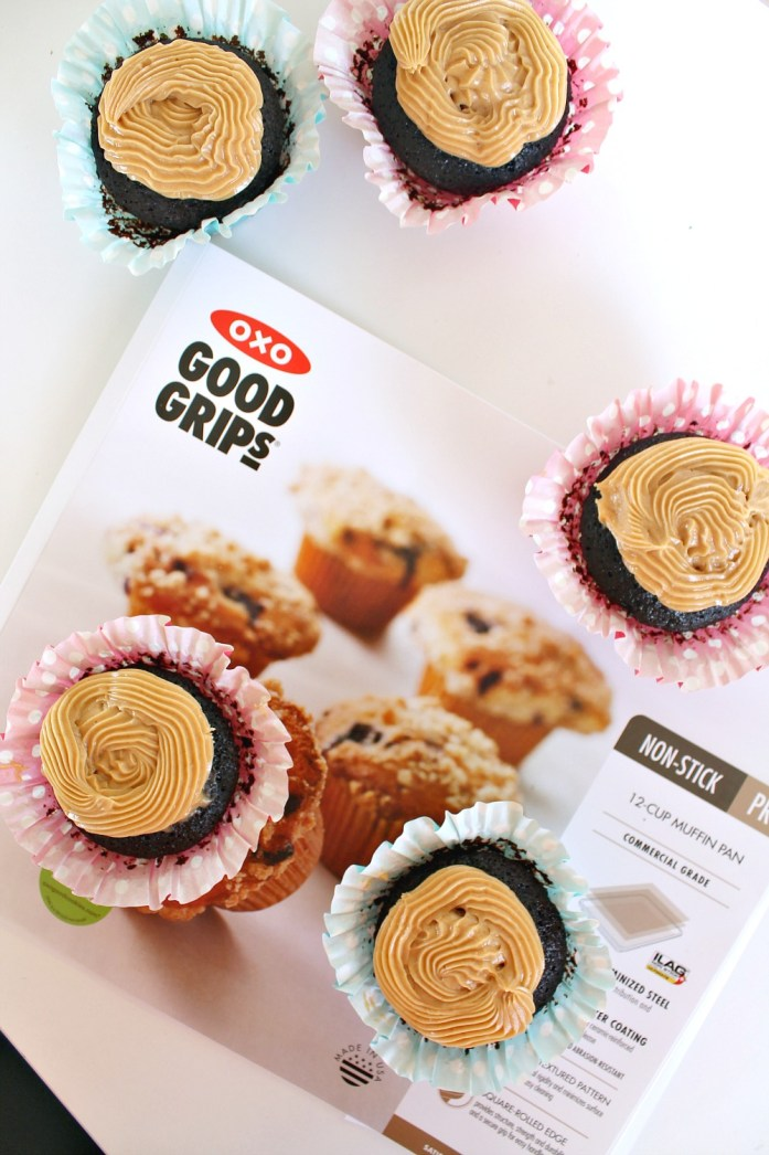 Vegan Chocolate Cupcakes with Peanut Butter Frosting 8--102915