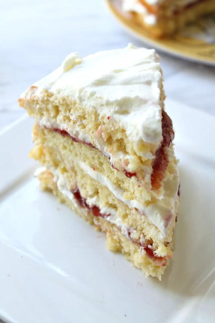 Victoria Sponge Cake 25--091116