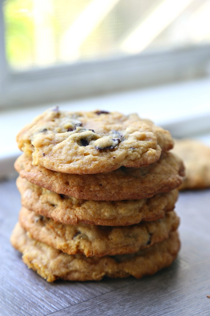 Bakery-Style Chocolate Chip Cookies 10--060617
