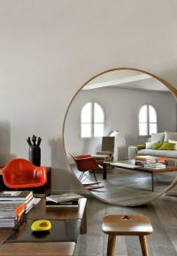 10 Impressive Oversized Mirrors to Make Any Room Feel Bigger