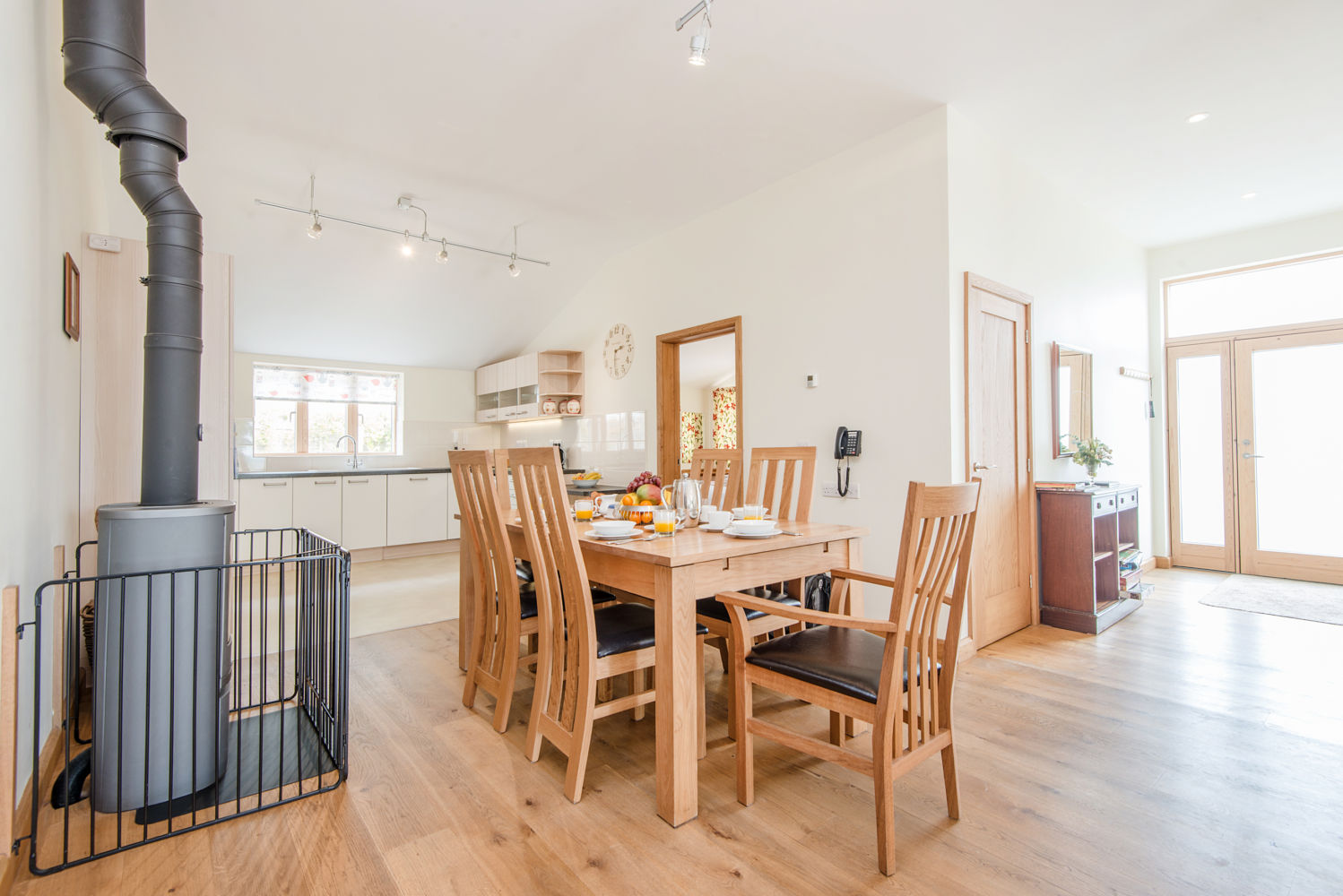 Teal Cottage is M3A rated for accessibility showing hte roomy dining area
