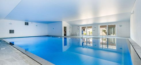 Wallops Wood pool accomodates accessible guests and families alike