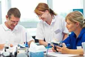 Ausbildung zum Zahntechniker