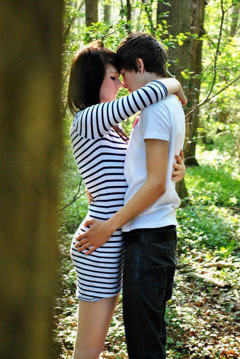 Cute Romantic Kissing Wallpaper Download Hug In The Forest Romantic Wallpapers For Your