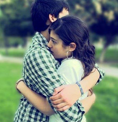 Cute Couple Hug Wallpaper For Mobile Download Wrap Love With Hug Romantic Wallpapers For Your