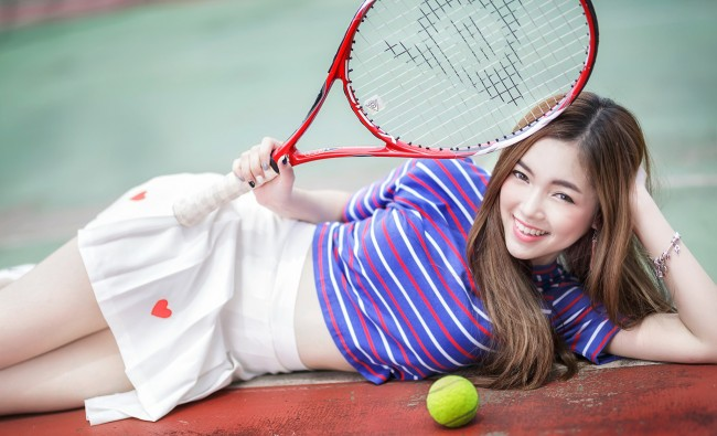 Cute Girl Wallpapers For Tablet Wallpaper Asian Model Big Smile Lying Down Tennis