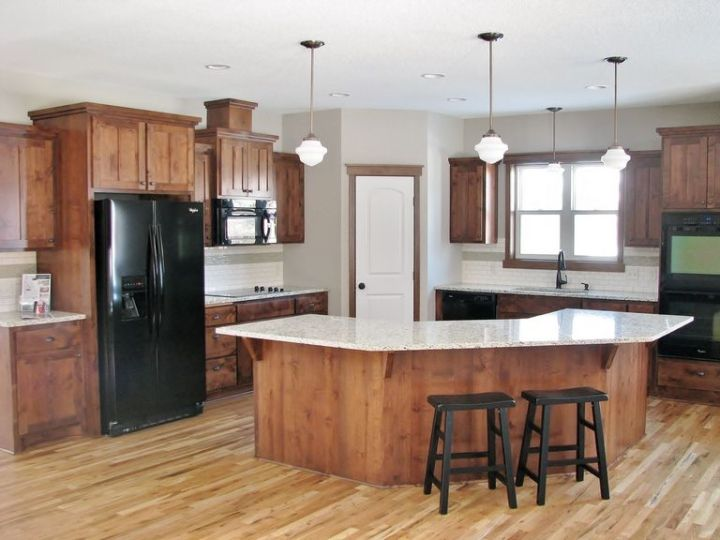 Staggered Kitchen Cabinets