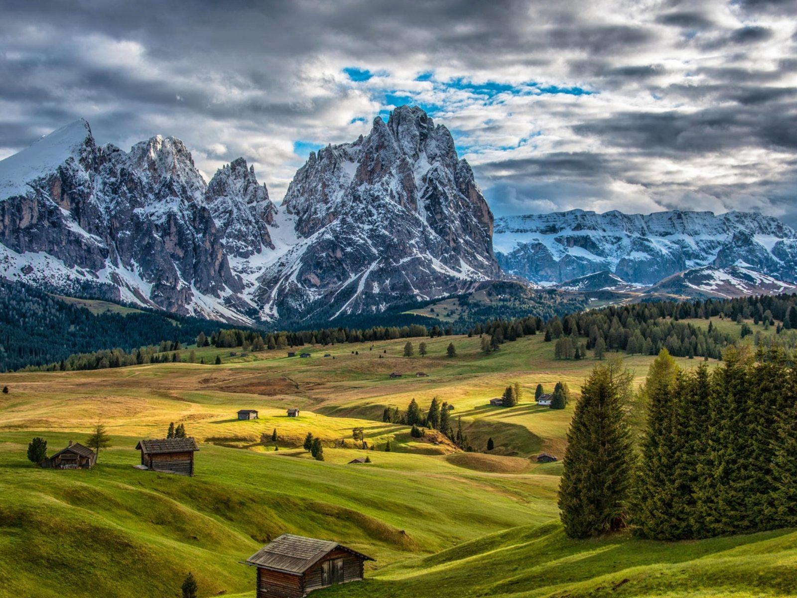 Fall Harvest Desktop Wallpaper Italy Scenery Mountains Houses Grasslands Fir Clouds