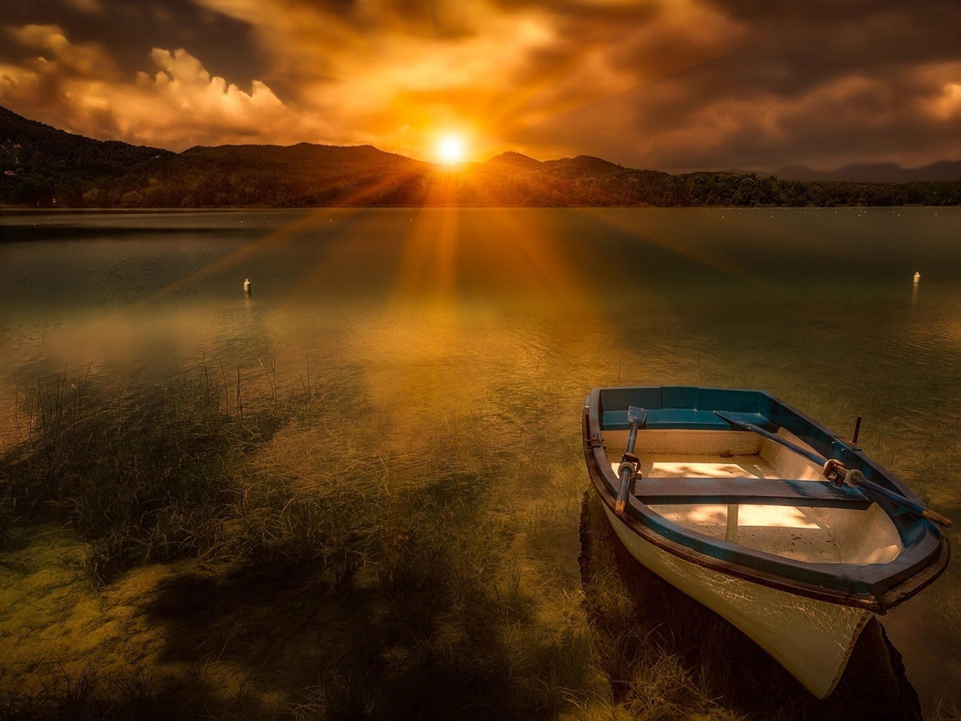 Ipad Wallpaper Hd Free Morning Sunrise Sun Lake Boat Evaporation Fog Hd Wallpaper