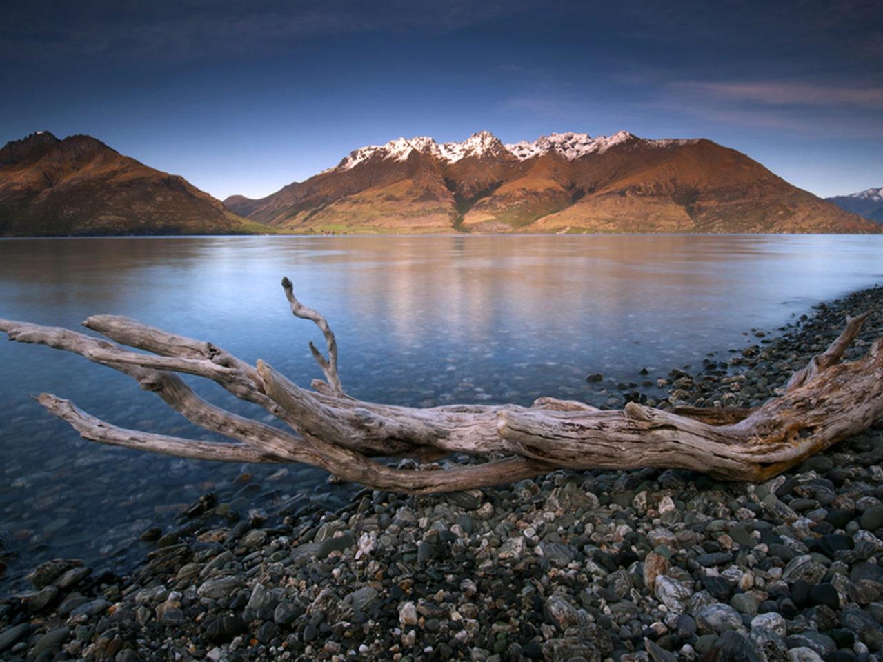 New Zealand Wallpaper Iphone X Lake Wakatipu Queenstown New Zealand Hd Wallpaper