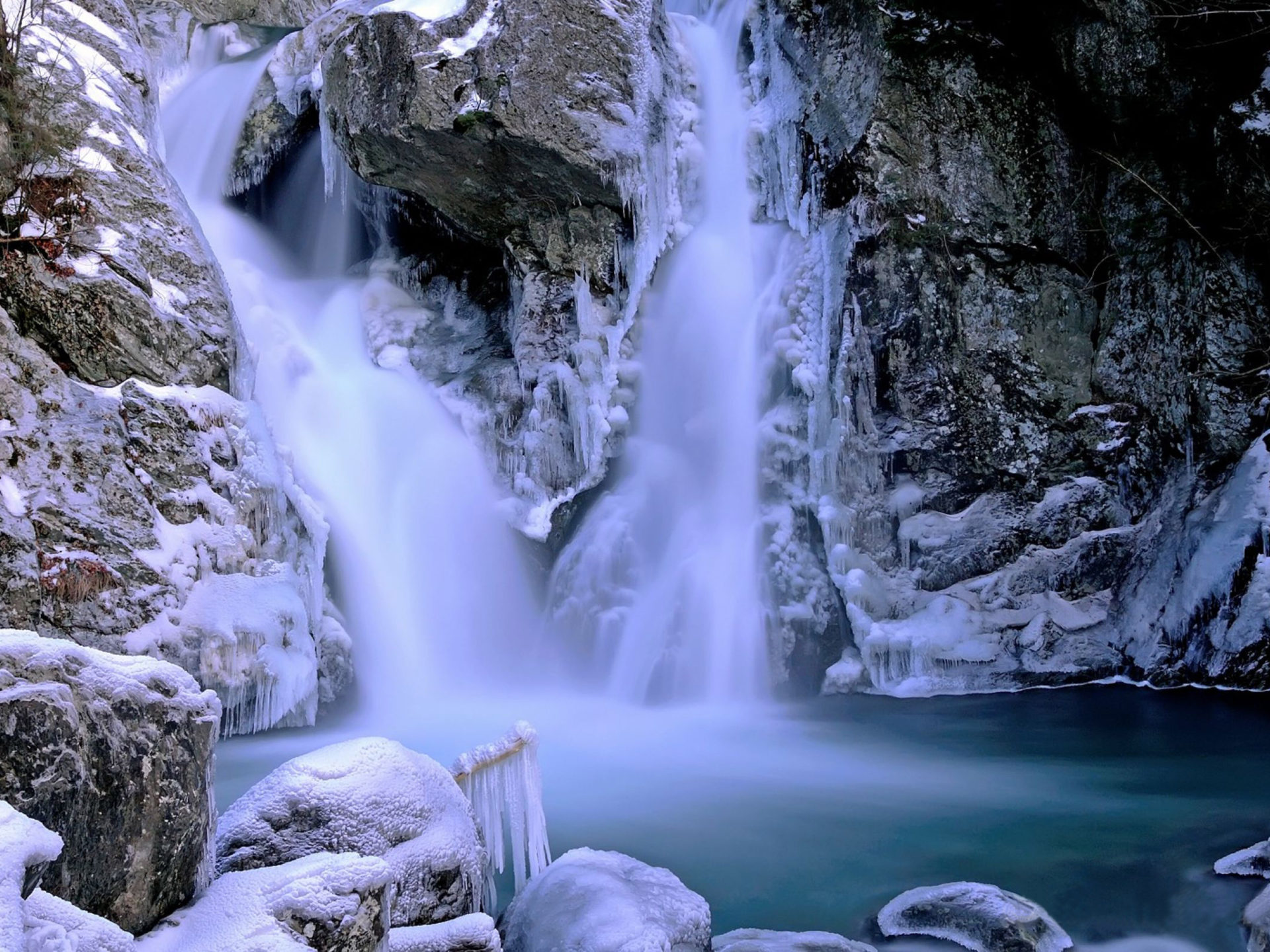 Beautiful Iphone 5 Wallpapers Beautiful Waterfall Winter Snow Ice Rock Picture With