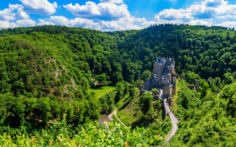 Feng Shui Wallpaper Hd Eltz Castle Medieval Castle Moselle River Between Koblenz