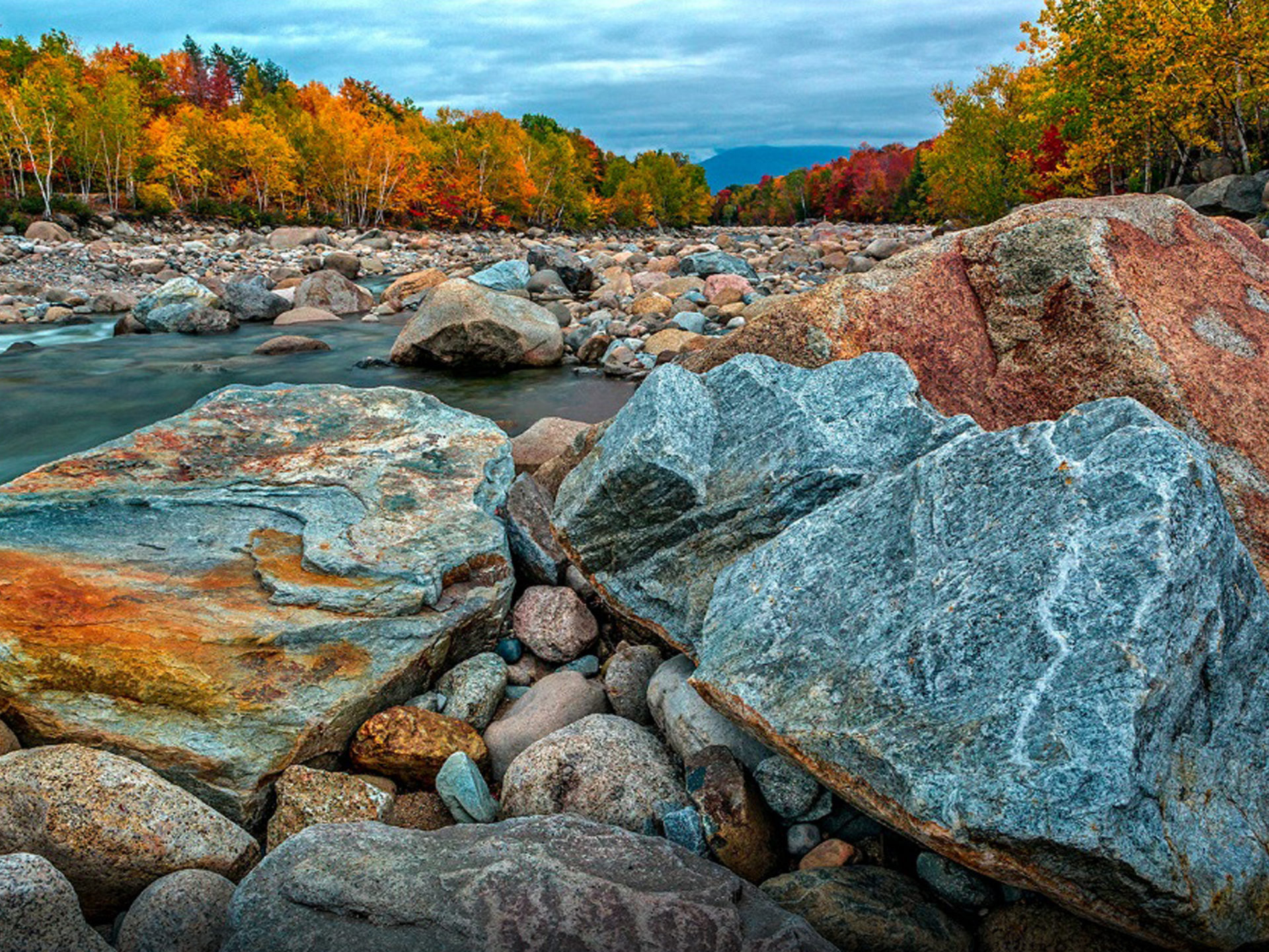 Christmas Scene Wallpaper For Iphone Autumn In The New Hampshire River Pemigewuasset Desktop