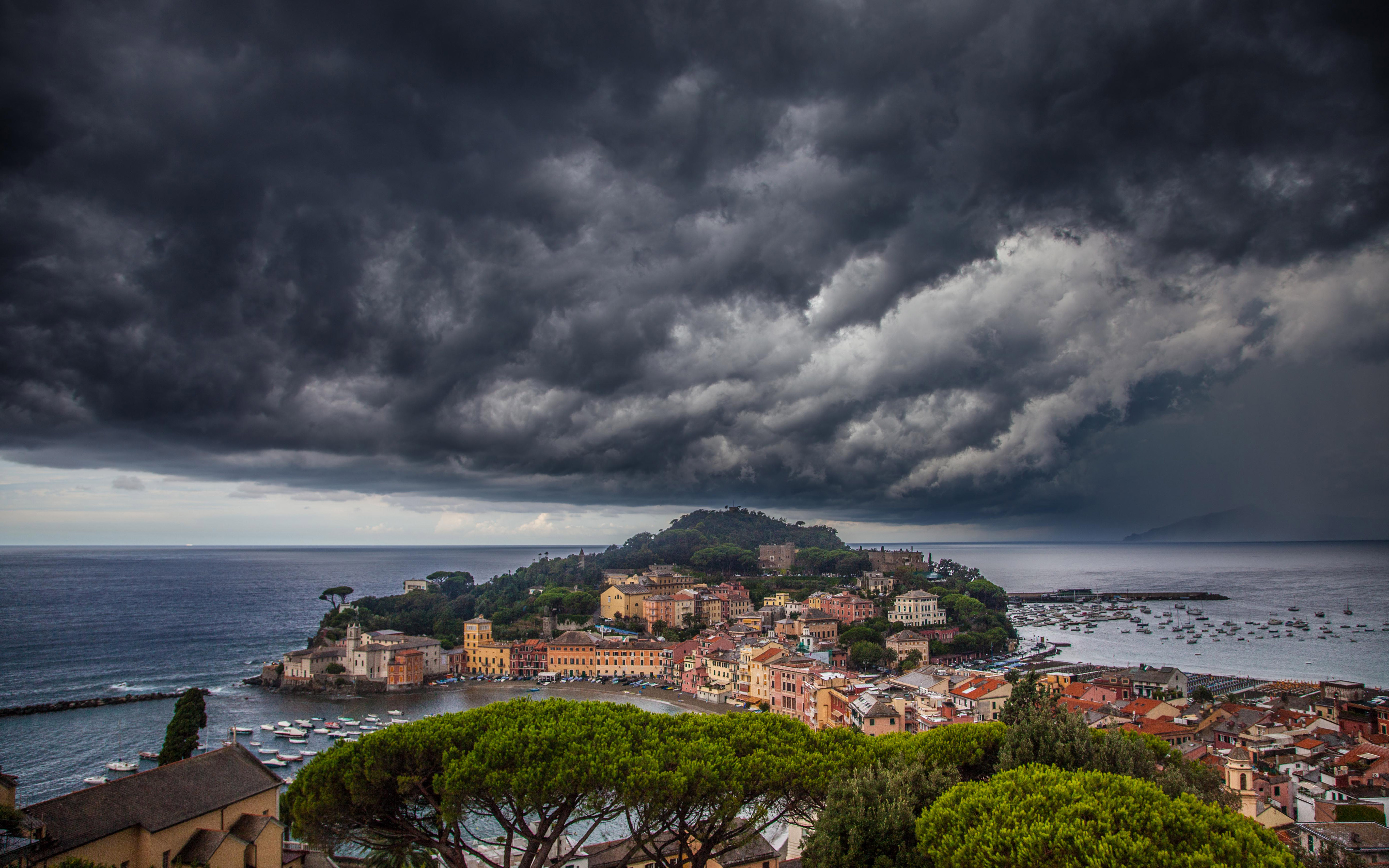 Storm Over The City Sestri Levante Mediterranean Italy Wallpaper Download Hd 5200x3250