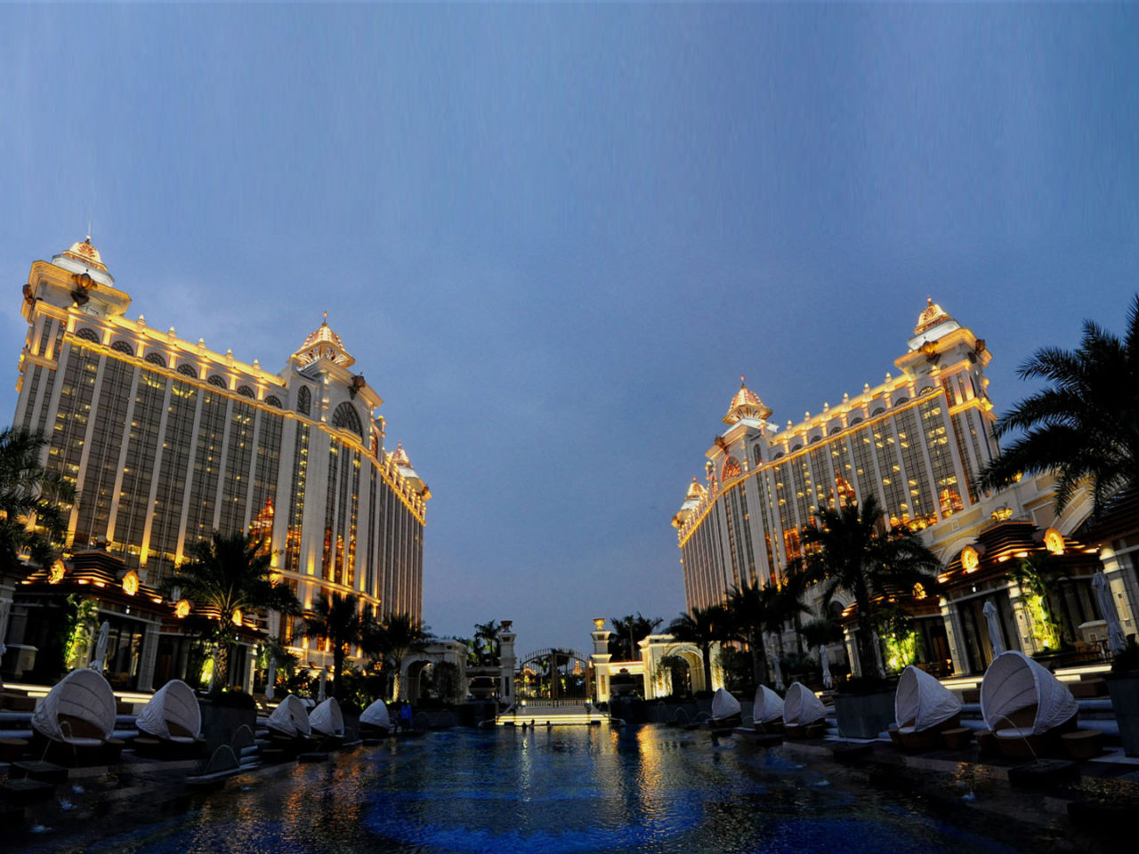 Las Vegas Hd Wallpaper Night Luxury Macau Hotels Macau Resorts Banyan Tree Macau