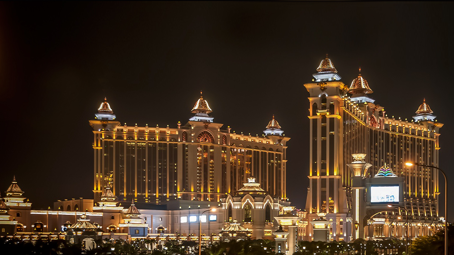Night View Of Galaxy Hotel Hotel Complex In Macau China Full Hd Wallpapers 1920x1080
