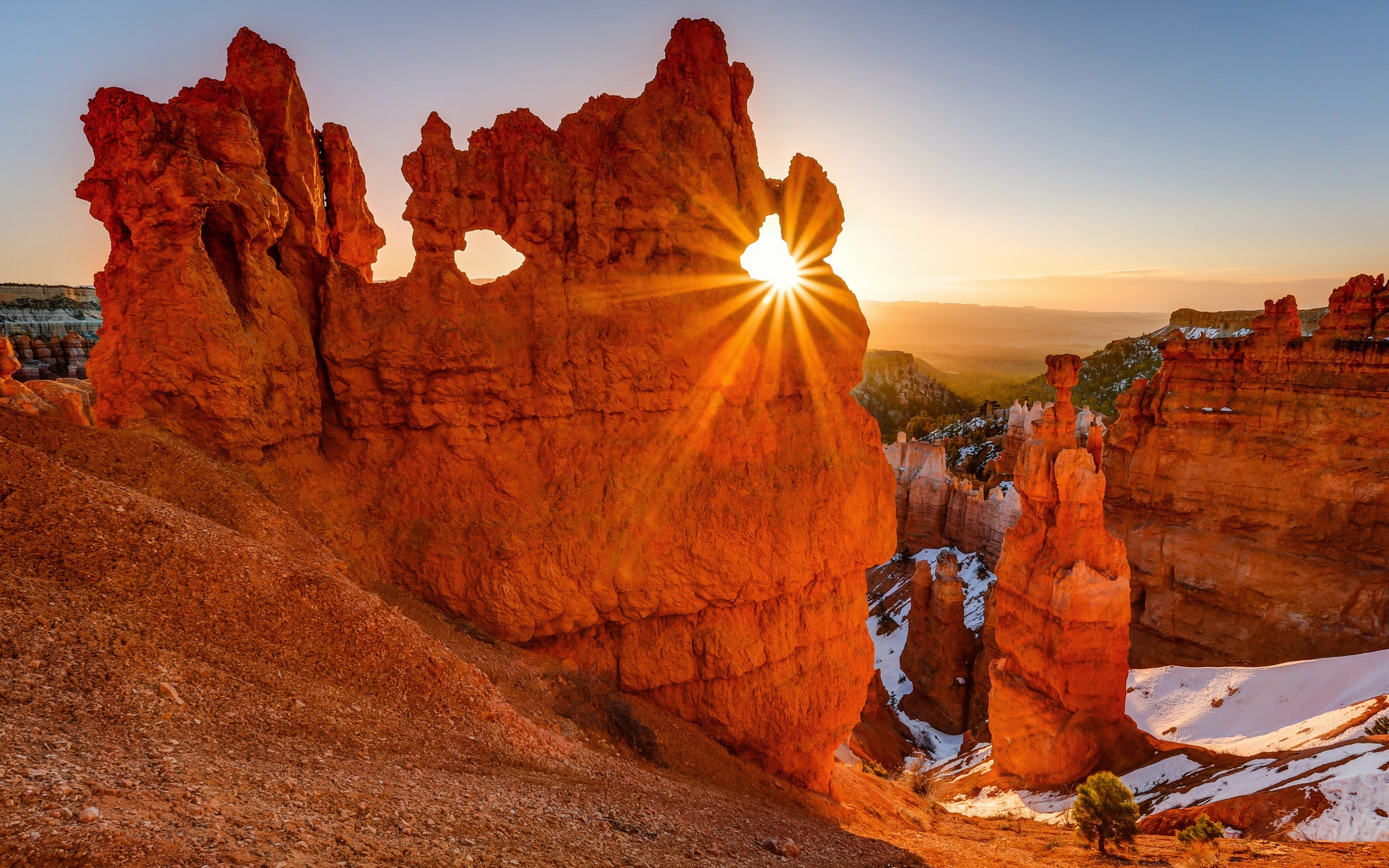 Fall Wallpaper For Android Tablet Nice Sunset Rays Red Rock Mountains Bryce Canyon National
