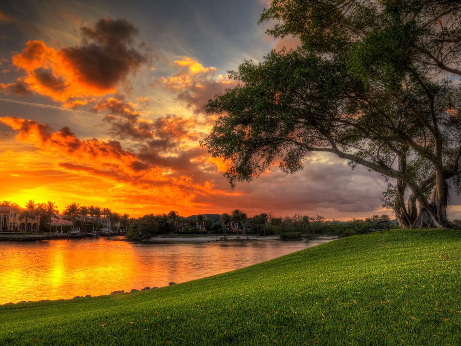 Disney Wallpaper For Iphone 4 Beautiful Sunset Red Clouds Villa Lake Coast Green Meadow