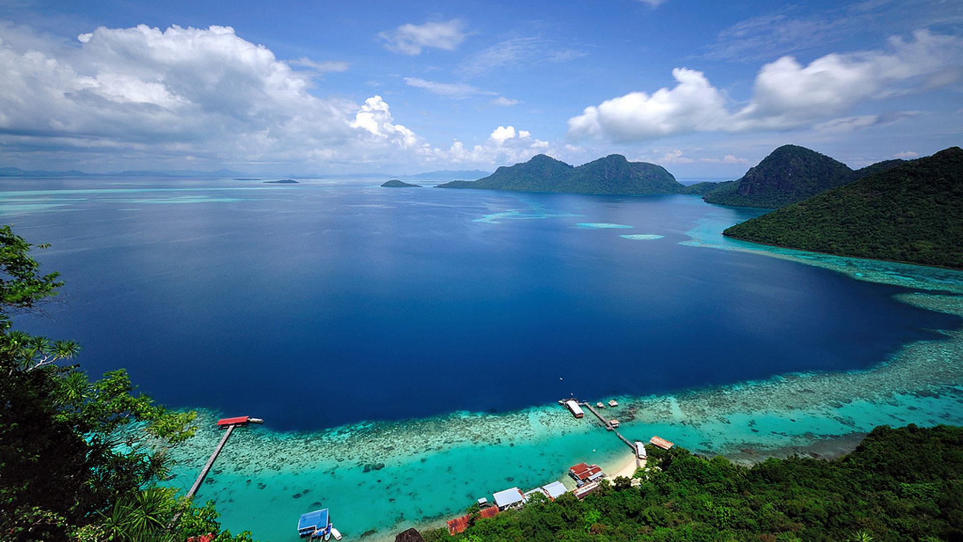 Bohey Dulang Island Sabah Malaysia Tun Sakaran Marine Park