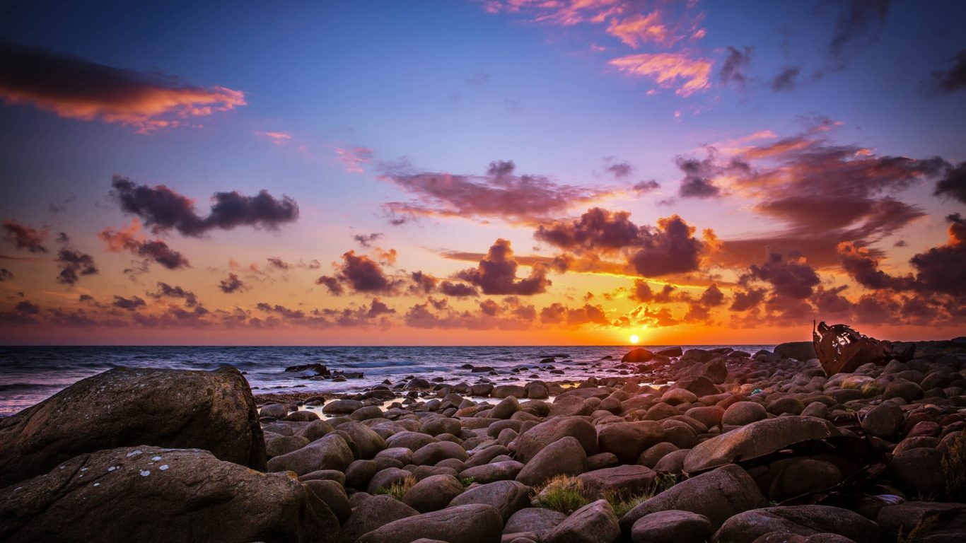 Cool Iphone X Wallpapers 2018 Last Sun Rays Above The Horizon Sea Coast Rocks With Rocks