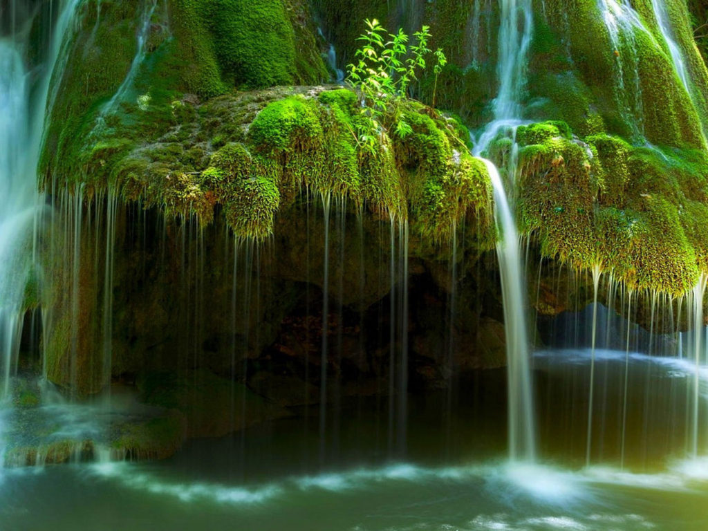 Free Fall Nature Wallpaper Waterfall In Romania River Rock With Green Moss Flowing