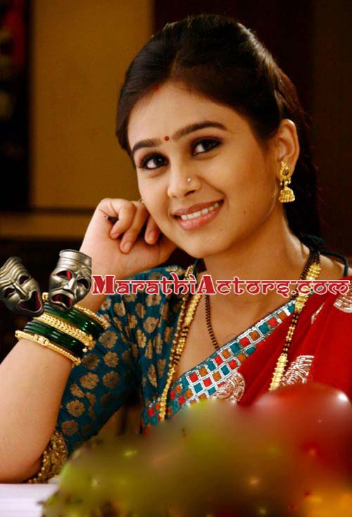 Download New Marathi Actress Wallpaper Gallery