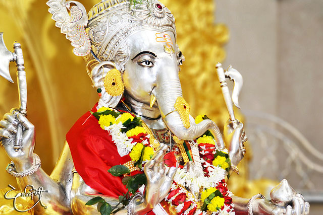 Life Quotes Hd Wallpapers 1080p Download Siddhivinayak Live Darshan Wallpapers Gallery