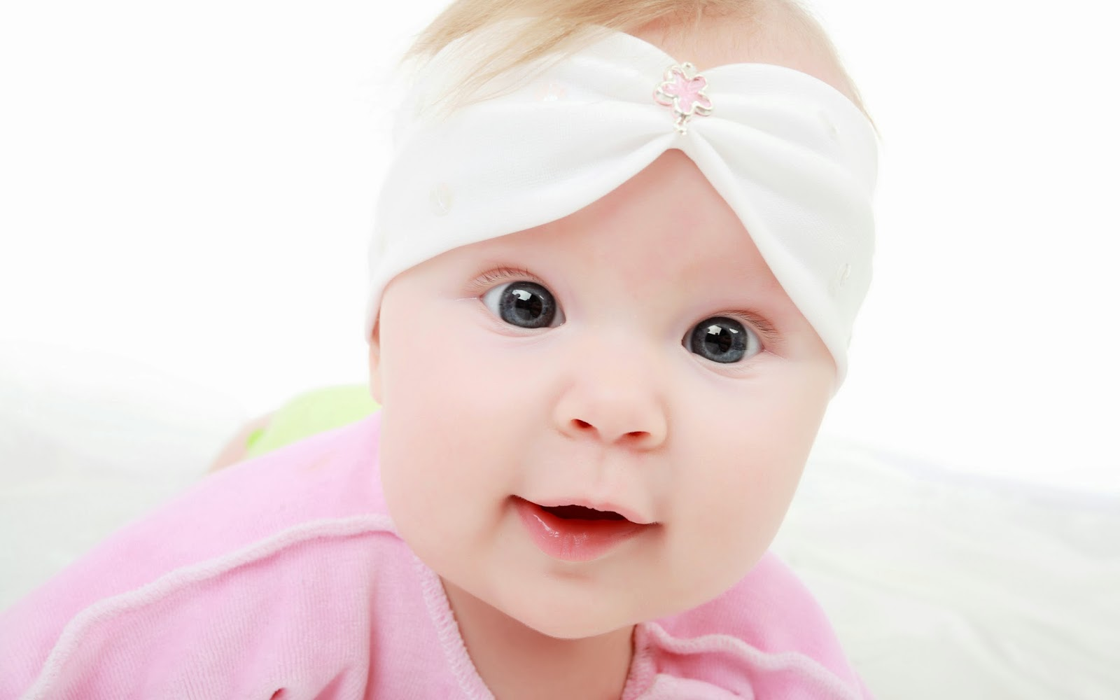 Cute Baby Wallpapers Free Download 4k Image Cute Baby 1600x1000 Download Hd Wallpaper Wallpapertip
