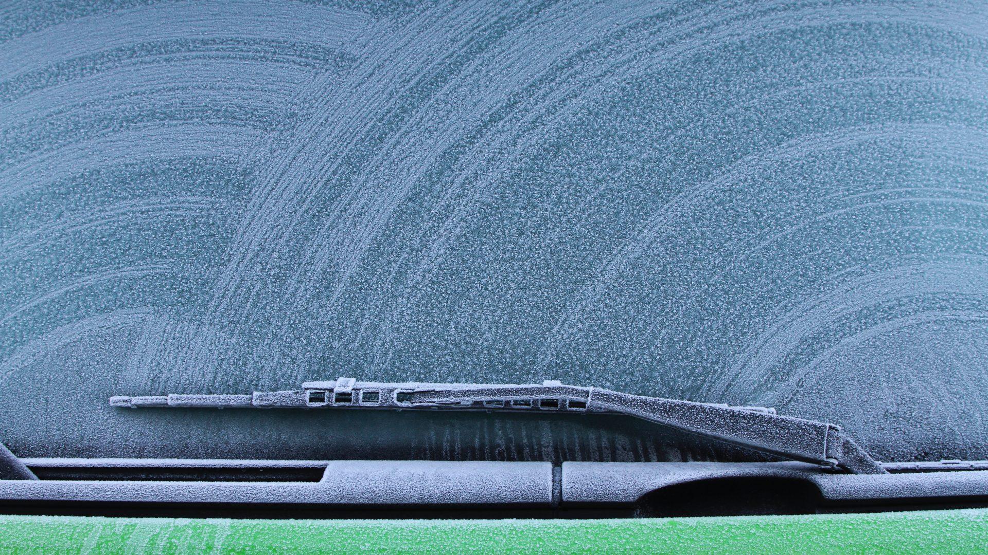 Running Wallpaper Iphone Car Windshield Wallpaper 4k 5k Hd Wallpaper Background