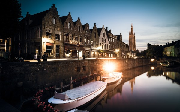 1 Bruges Buildings Canal Boats Lights Reflection