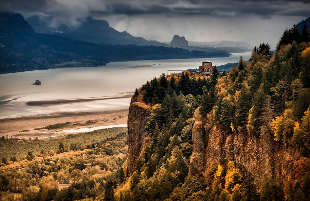 Fall Leaves Desktop Wallpaper Free Columbia River Gorge River Mountain Forest Autumn